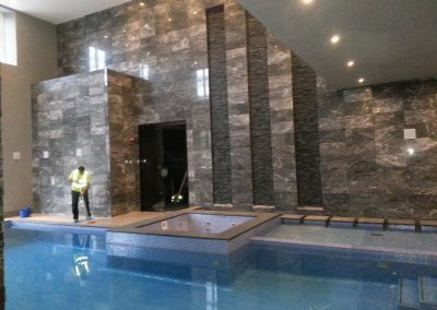 Large swimming pool jacuzzi installation